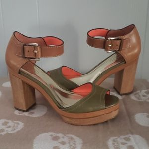 COACH Leather Platform Sandals Size 6